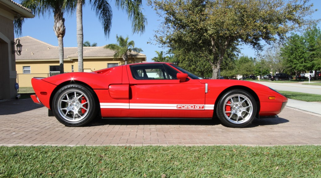 2005-Ford-GT-001
